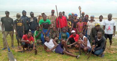 Equipe de reboisement à Diogué
