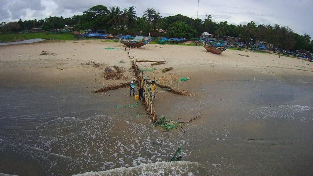 Le 4ème épi de la grande plage à l'ouest, après réfection